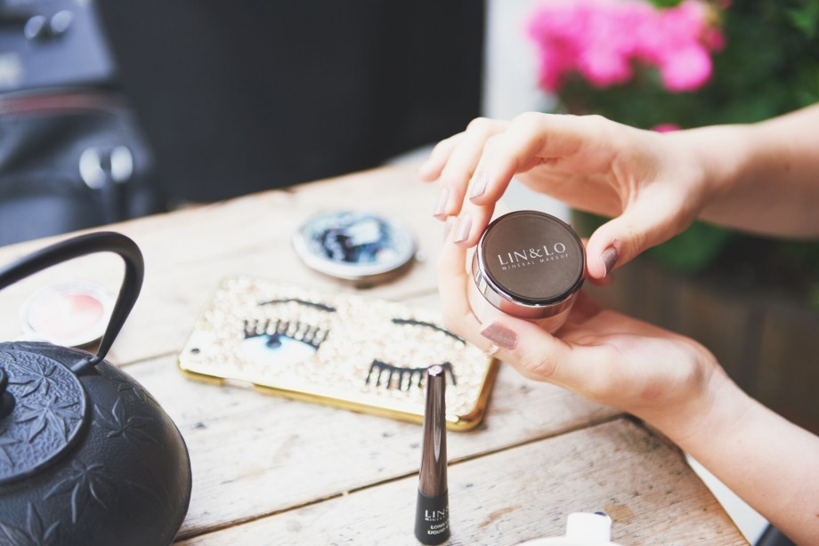 lin&lo mineral makeup