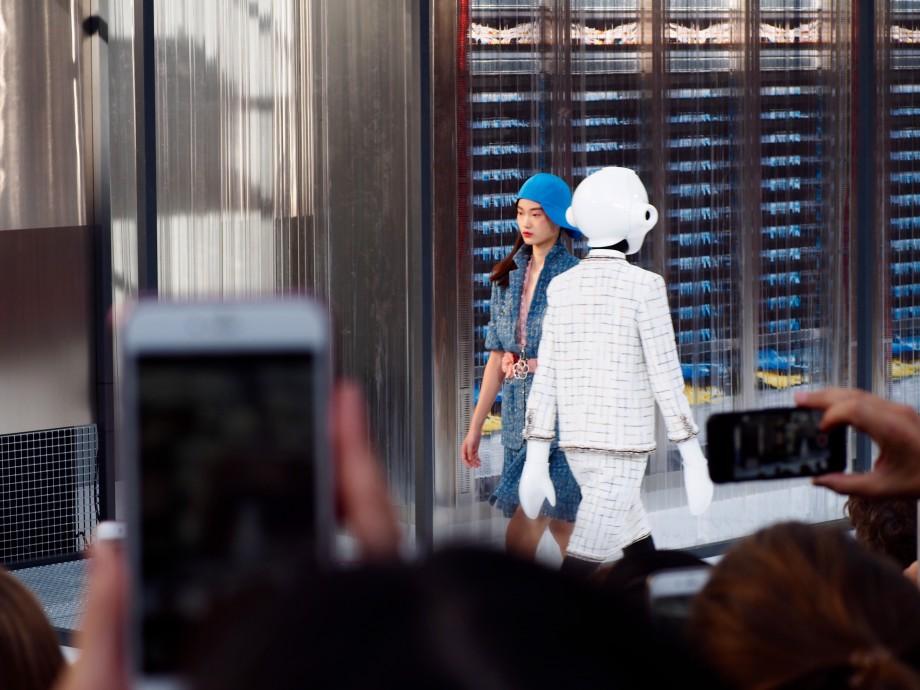 chanel ss17 data center show paris fashion week